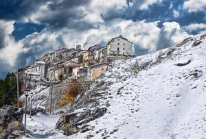 Opi winter scene